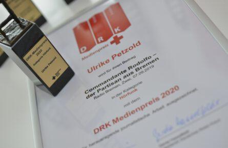 DRK-Medienpreis-Statuette-445x290 Deutsches Rotes Kreuz